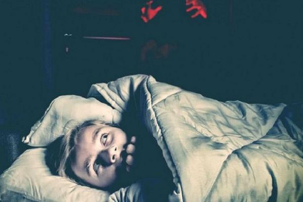 Mơ thấy người chết đánh con gì và điềm báo từng giấc mơ ra sao? 5