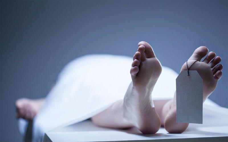 Mơ thấy người chết đánh con gì và điềm báo từng giấc mơ ra sao? 8