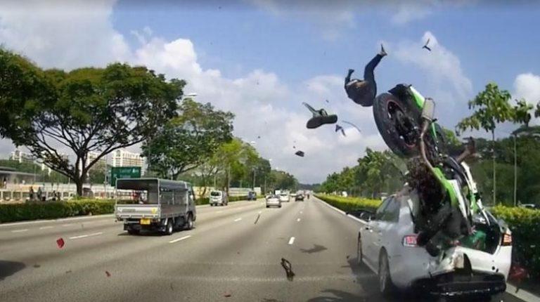 Mơ thấy tai nạn xe máy